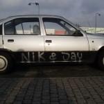 Casper siger bilen sku skrottesmen hvem ved, måske kører denrundt ovre i Jylland med Nik & Jay på siden