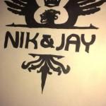 Louise Leth har tegnet Nik & Jay's logo