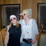 Malene & Isabella, klædt ud somNik & Jay. Til en skolefest i 2004.Temaet var kendte mennesker